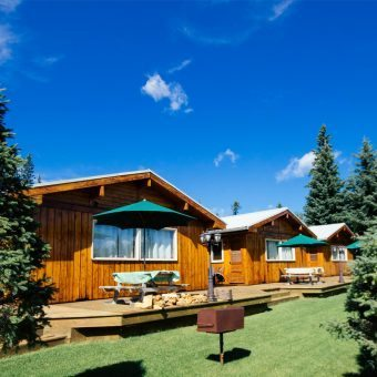 Sunset Bay Resort cabins for rent SK
